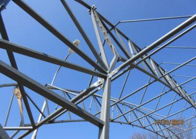 Střešní konstrukce haly