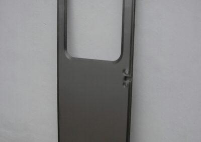 Dveře vagonu