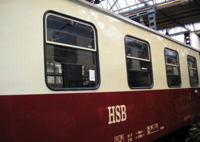 Vagon, okno namontované